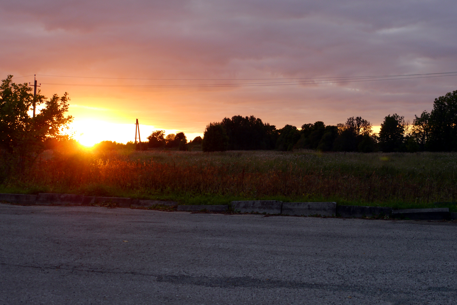 Sonnenuntergang in Palmse, Estland