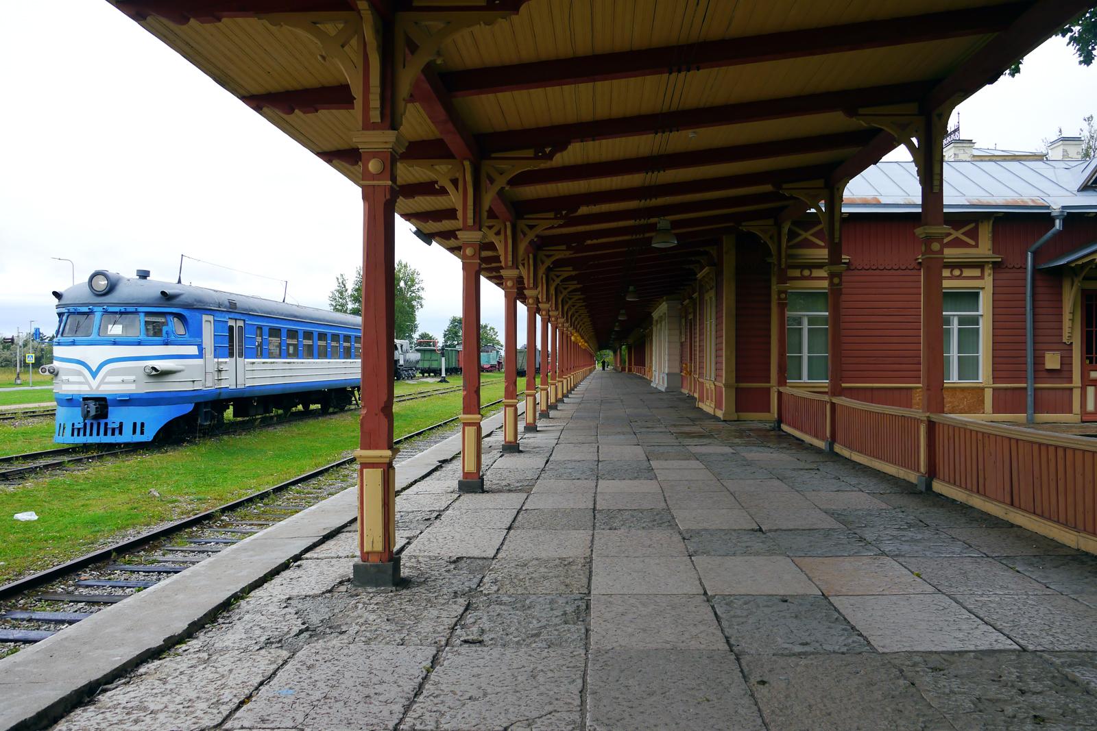Der Bahnhof von Haapsalu, Estland.