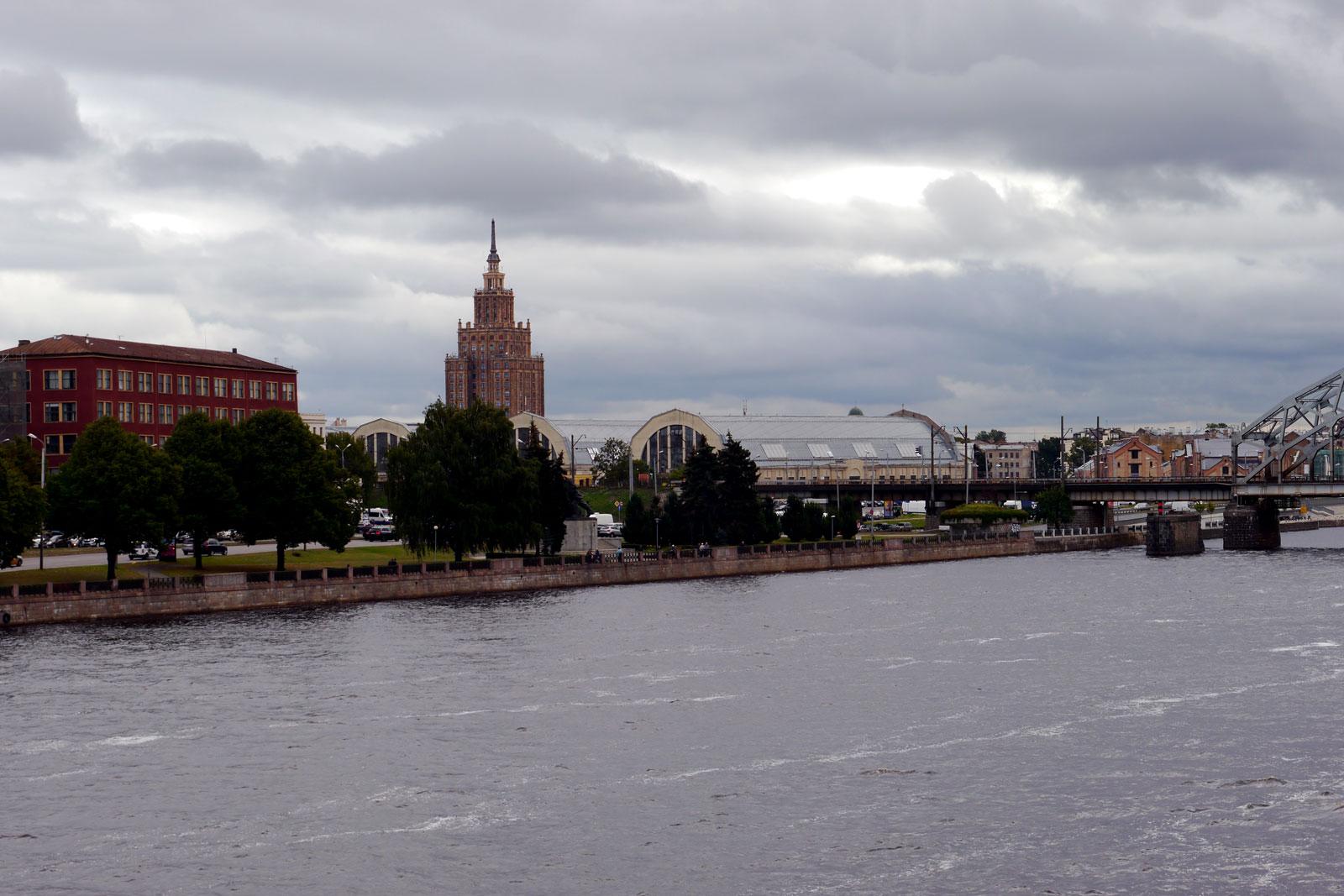 Riga Zentralmarkt und Akademie der Wissenschaften, Lettland