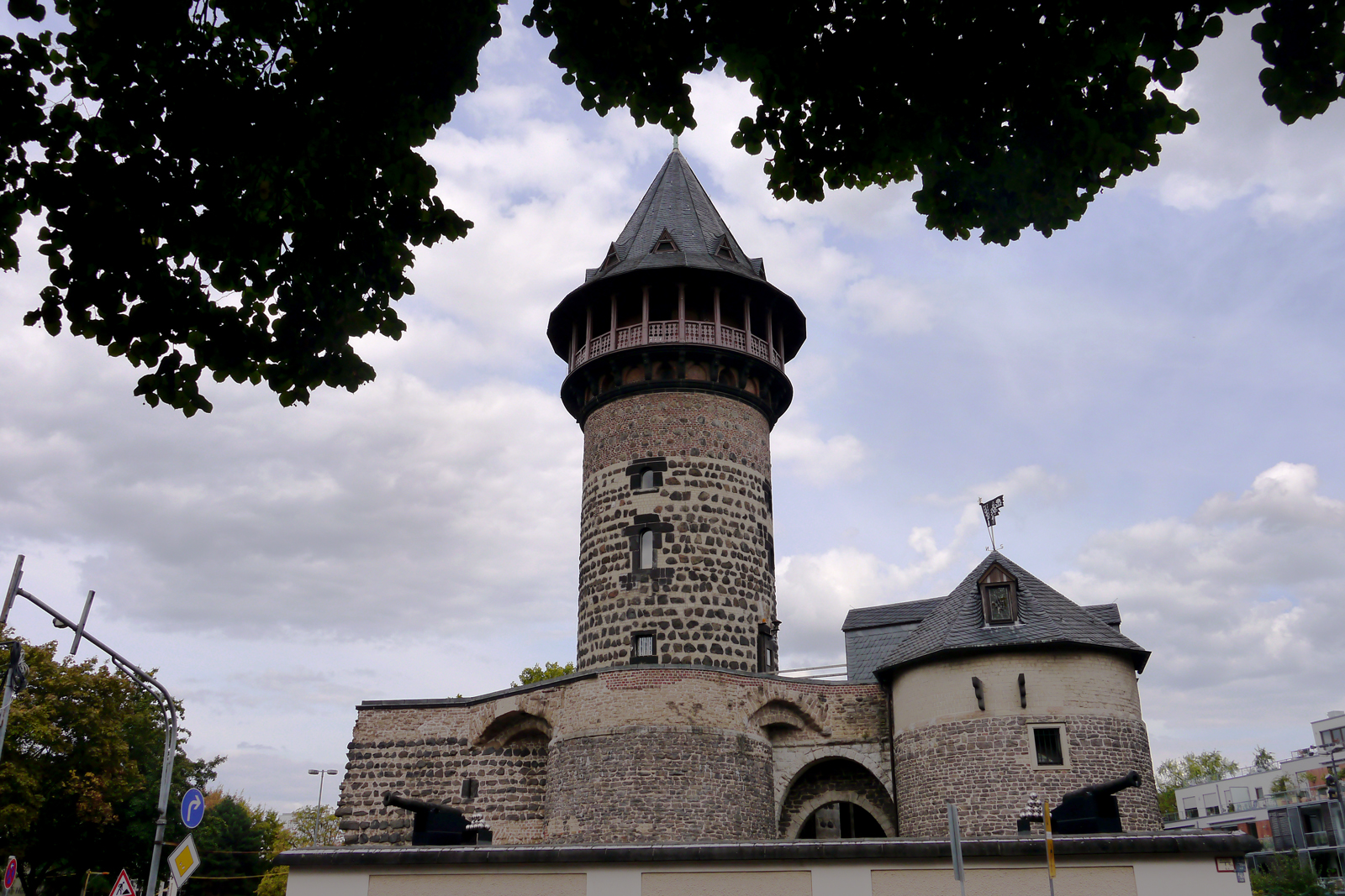 Die Ulrepforte - eine der wenigen Überbleibsel der Kölner Stadtmauer.