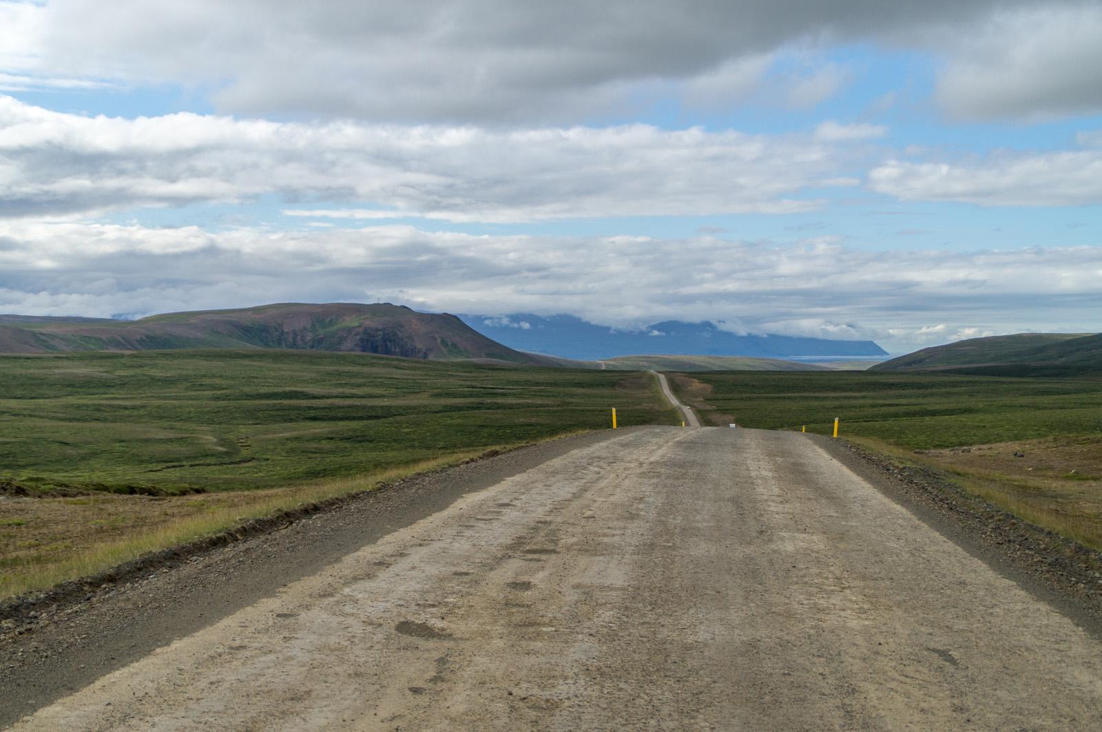 Viele Straßen auf Island sind nicht geteert, aber dennoch gut befahrbar