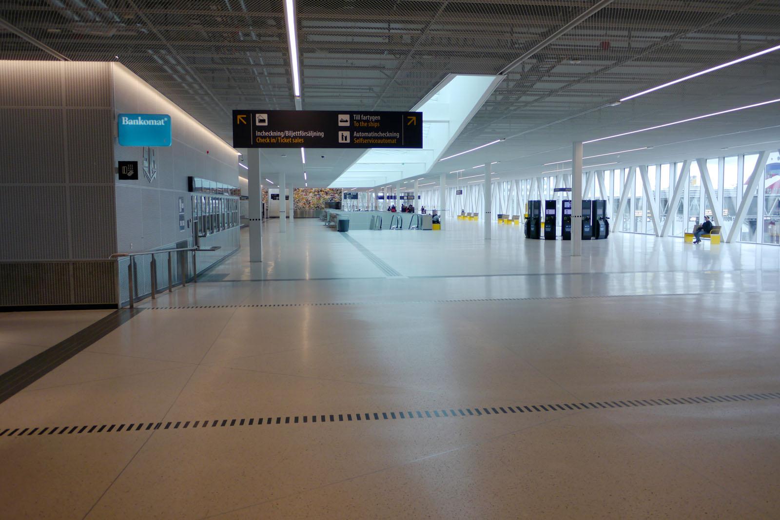 Tallink Silja Line-Terminal Stockholm-Vaertahamnen-Check in