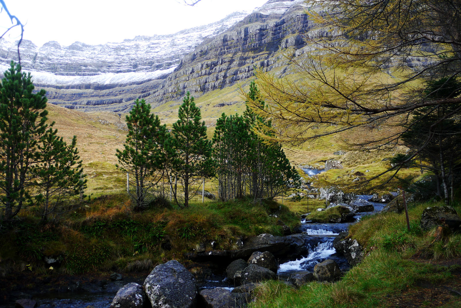 Kunoy-Faroer Inseln-Berge-Vidarlundin