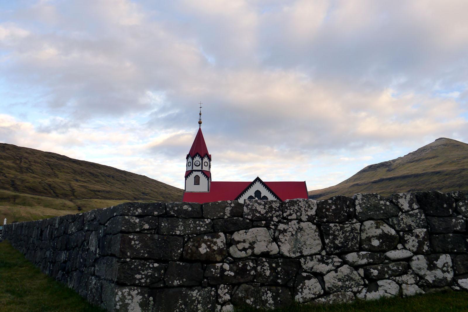 Vagar-Faroer Inseln-Kirche
