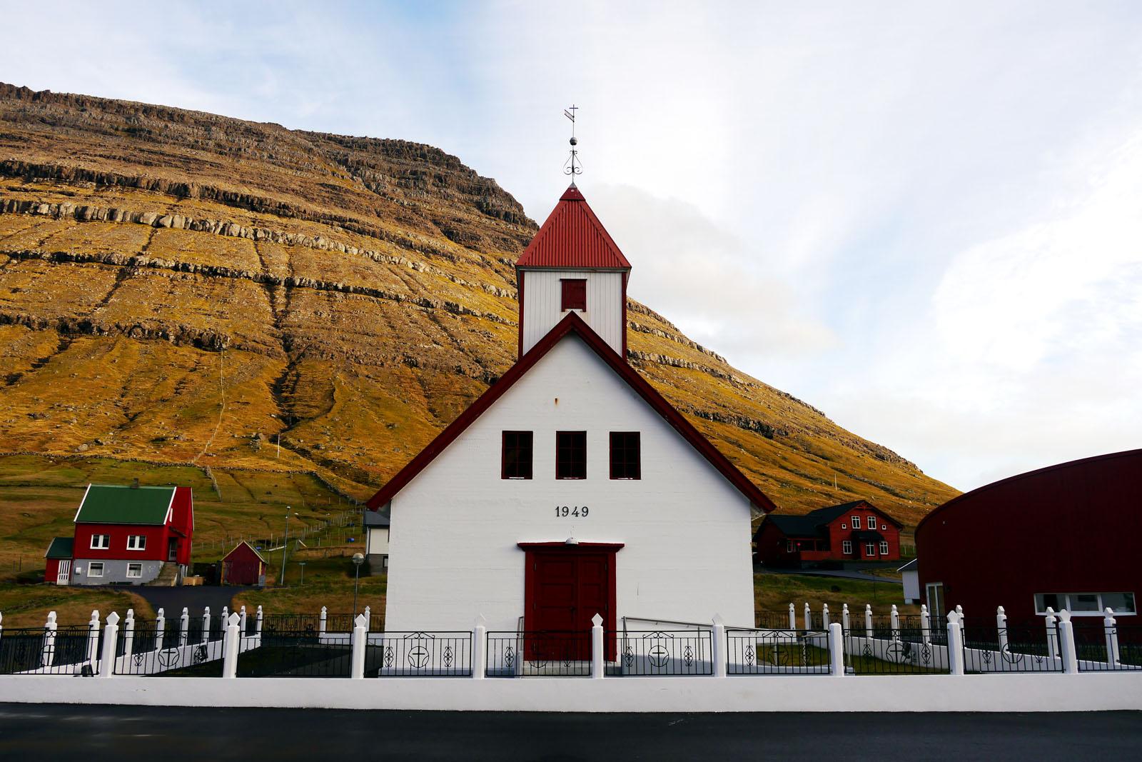 Vidoy-Faroer Inseln-Hvannasund-Kirche